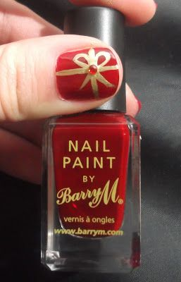 Lou is Perfectly Polished: Christmas Nails: Present