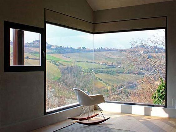 Amazing corner window/view.