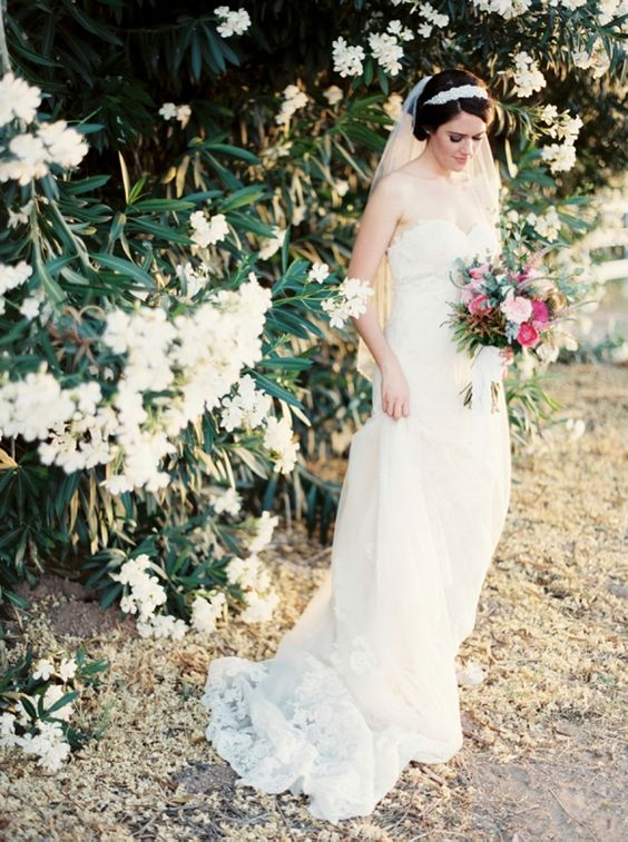 Outdoor Real Wedding at Whispering Tree Ranch in Arizona | Wedding Sparrow | Brushfire Photography
