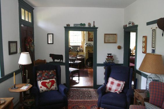 Country living room in Liberty House in Adams County, PA