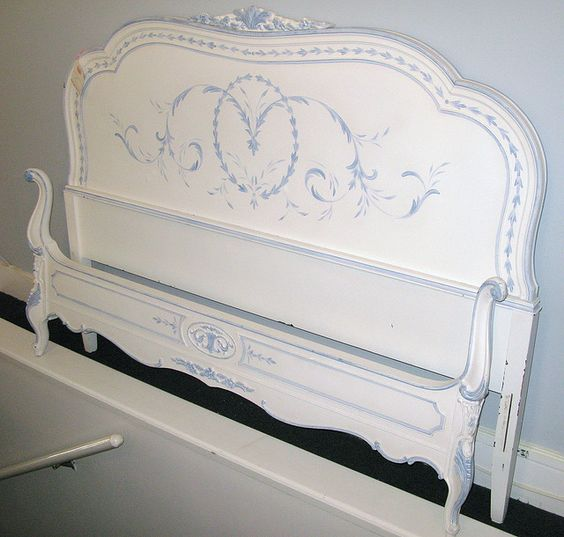 Painted vintage bed by sunshinesyrie