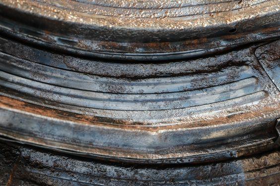 wax rusty iron