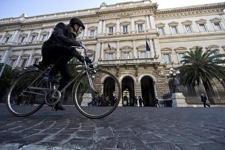 Informazione Contro!: Bankitalia: peggiora calo prestiti,-1,8% a gennaio...