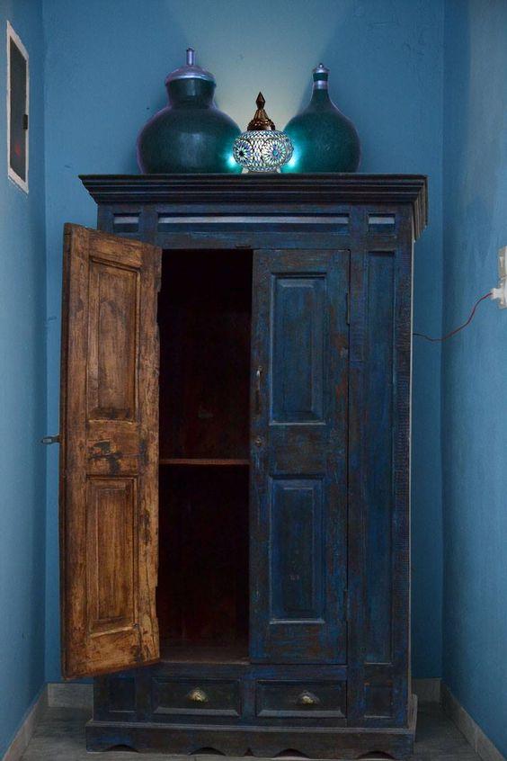 Blauwe Indiase kast met mozaiek tafellamp