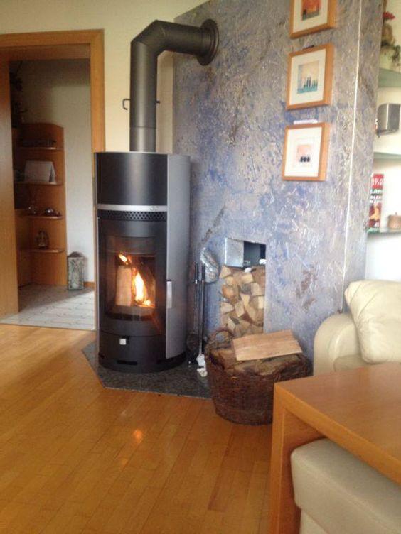 individueller Woody im elegantem grau/schwarz in seinem neuen Heim in Niederösterreich