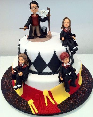 Bolo de aniversário do Harry Potter                                                                                                                                                      Mais
