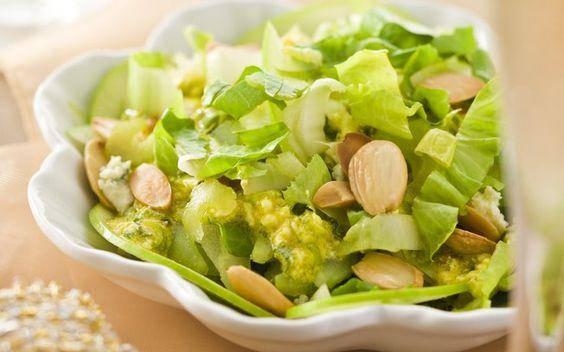 Salada de Maçã Verde com Escarola e Amêndoas