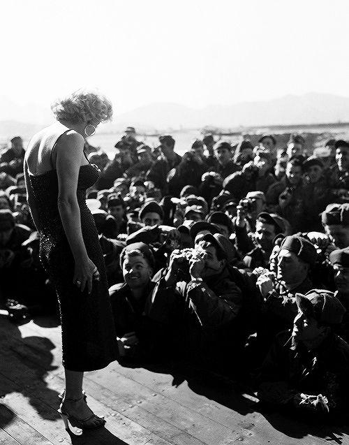 1954.02.16. Marilyn at a Seoul City Air Base