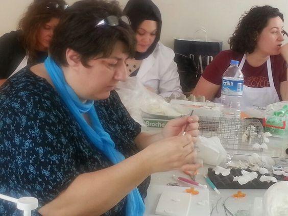 Feneryolu halk Eğitim Merkezinde temel çiçek eğitimi