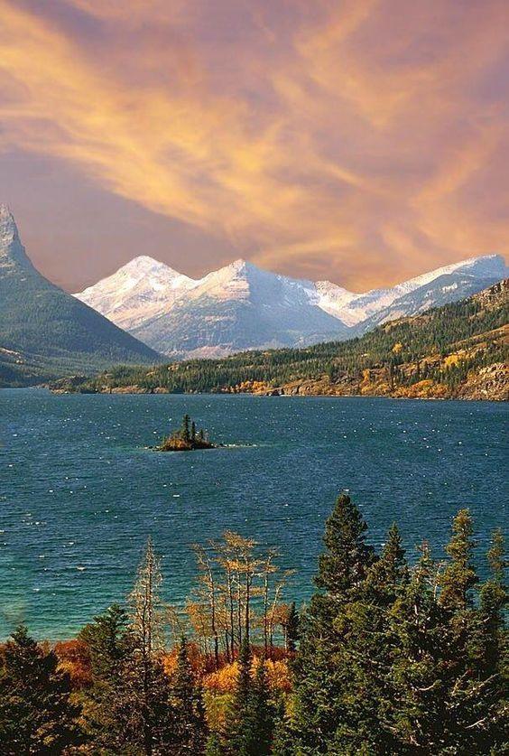 Saint Mary #Lake, #Montana #travel #adventure #vacation #holiday #travelphotography #tour #tourism #flight #easyjet #trips #overseastravellers #nature #scenery #beach #solotravel #view #waterfalls #hotel #resort #myfairyqueen #phuket