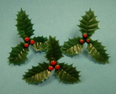 #Medium #plastic holly (pack of 20) #christmas cake decoration / decorating,  View more on the LINK: http://www.zeppy.io/product/gb/2/291687930708/