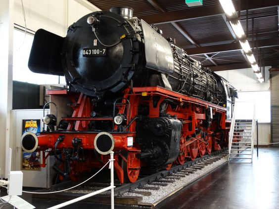 DB 43 100-7 am 11.11.14 im Technik Museum Sinsheim