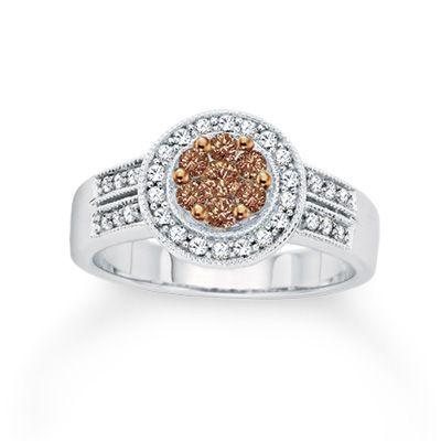 my engagement ring:) i love it soooo much