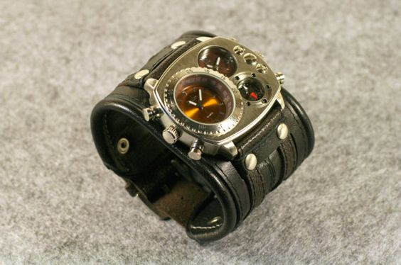 "Mens wrist watch Leather bracelet ""Highlander""- SALE - Worldwide Shipping - Steampunk Watches"