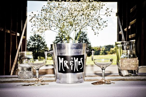Another great example of Rustic Wedding Decor from our weddings here at Dodson Orchards. Visit http://dodsonorchards.com to learn more