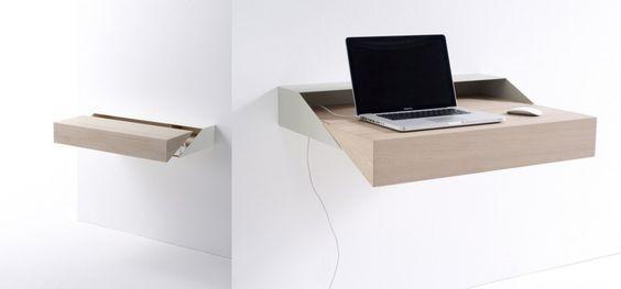Desk Box è un sorprendente e pratico tavolo pensile che è anche un contenitore. Da aperto è una piccola postazione di lavoro, elegante e funzionale anche se ridotta, e quando non serve può essere richiuso con una semplice pressione, in modo da formare un piano uniforme. Firmato dallo studio Raw Edges per l'azienda olandese Arco. Realizzato in rovere massello e acciaio con finitura di vernice epossidica. Su richiesta, può essere realizzato con altri tipi di legno e finiture in colori…