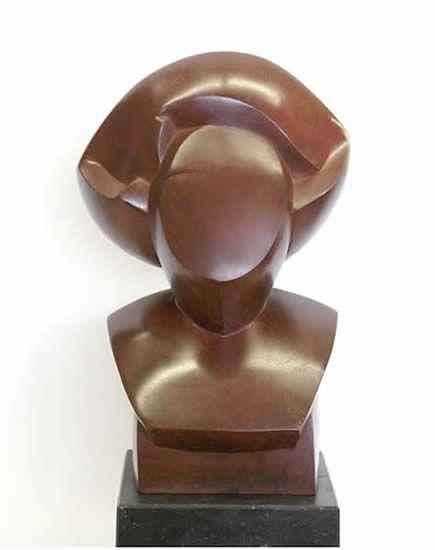 Margriet Barends, 'Queen',  brons  /  gegoten in zand, oplage 8, hoogte 40 cm