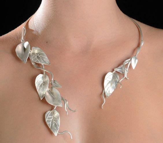 Beautiful leafy necklace Sweet Violet Bride - http://sweetvioletbride.com/2012/04/fine-botanical-jewelry-nikolaev-jewelry-designs/