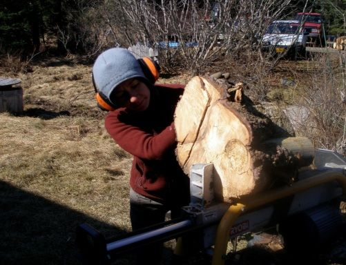 WWOOFing: Trading City Life for Cabin Building in Utah and Kayaking in Alaska - By Rose Grech #volunteer #wwoof