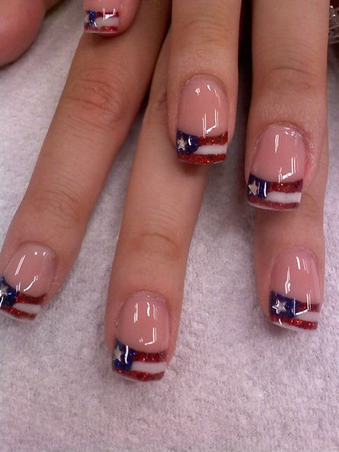 red white and blue American flag nail art Memorial Day Fourth 4th of July Independence Day Veteran's Day ---   http://tipsalud.com   -----