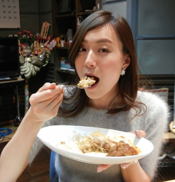 食いしん坊な笹川友里