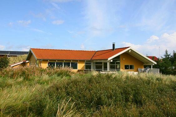 Lust auf ein Ferienhaus in der Himelfahrtswoche? Hier noch ein LAST MINUTE POOLHAUS für iAngebot: http://www.danwest.de/ferienhaus/3521/ferienhaus-ruhige-lage-pool Also, packt die Badehosen ein,....  #Dänemark #LastMinute #Poolhaus #Haurvig #Nordsee