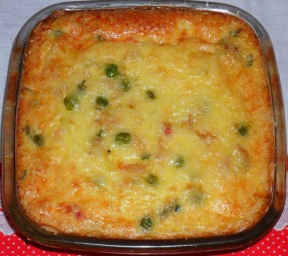 L'empadão est un plat traditionnel de la cuisine portugaise, qui est préparé avec de la purée de pomme de terre et principalement avec de la morue.