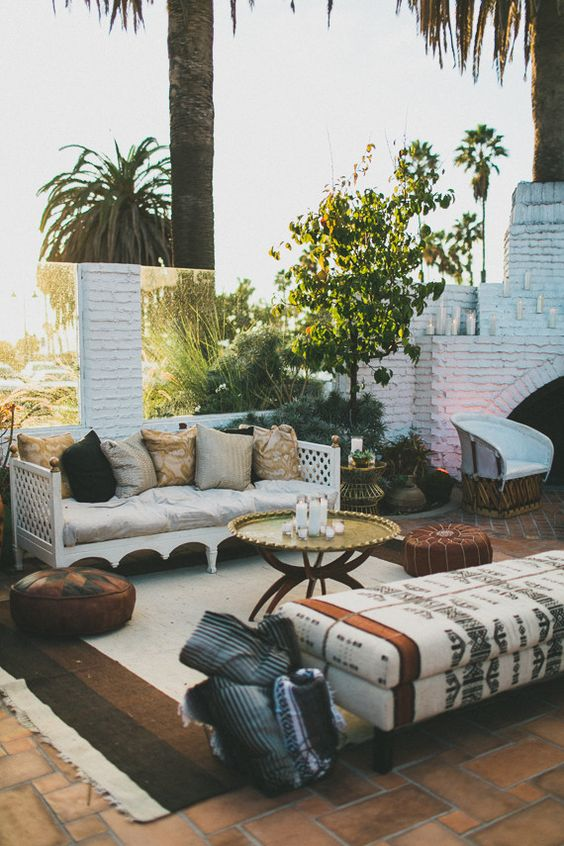 Patio goodness! Rugs outdoors make the patio feel cozy.