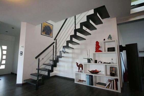 le lannic acier escalier moderne avec un limon cr maill re m tallique par les escaliers. Black Bedroom Furniture Sets. Home Design Ideas