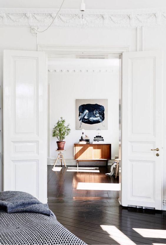 Stunning all white apartment: