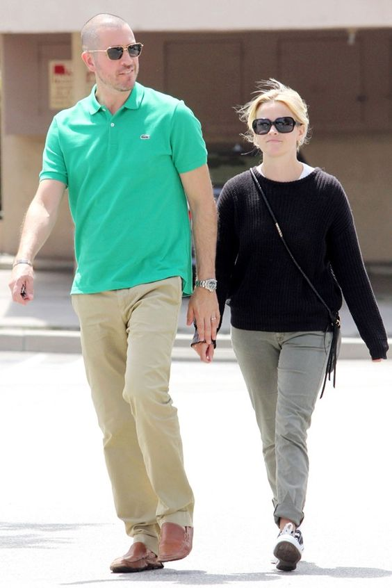 jim toth reese witherspoon dating Reese witherspoon and jim toth - she's: 5'2he's: 6'1reese definitely has a history of dating tall men both ex-husband ryan phillippe and ex jake gyllenhaal were over 6'0, as is current husband jim toth.