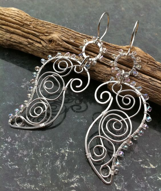 Silver Earrings UNTAMED PAISLEY | JewelryLessons.com