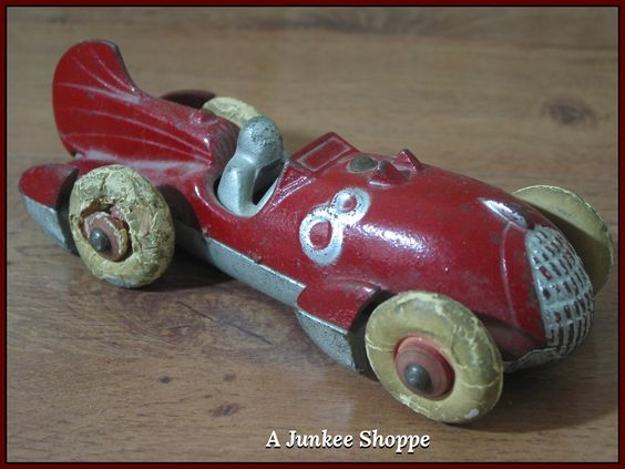 HUBLEY 1930's Red Number 8 Fin Racer White Rubber Car Tires   Junk0424  http://ajunkeeshoppe.blogspot.com/