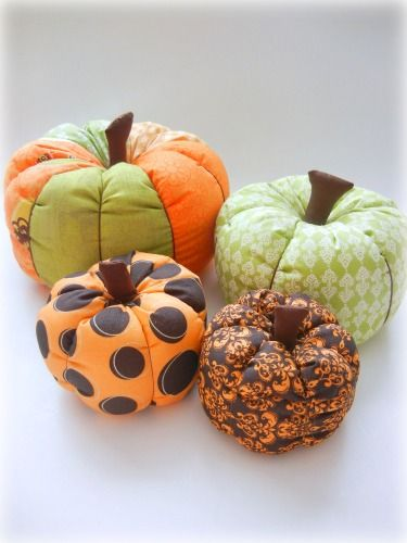 awesome tutorial showing how to make fabric pumpkins with either one fabric or many