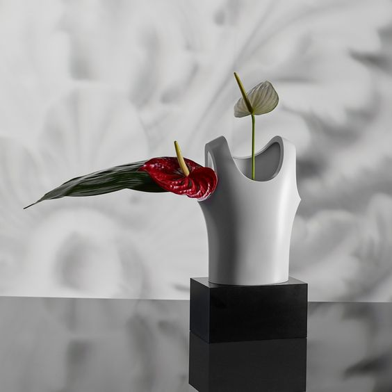 Canotta e gli oggetti di design di Andrea Branzi per Qeeboo.com: