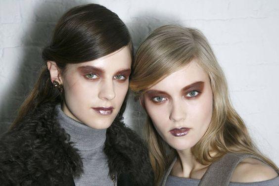 Beauty Boom: Toques metalizados na maquiagem é a nova tendência para o Inverno 2014! #maquiagem #metalizado #glitter #tendência #sombra #batom #inverno #trends #desfile #beleza  #rodarte
