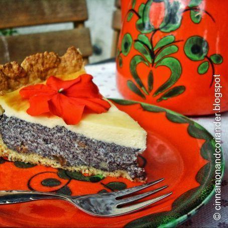 Poppyliscious: Der supersaftige Mohnkuchen mit Rumrosinen und Schmandguss