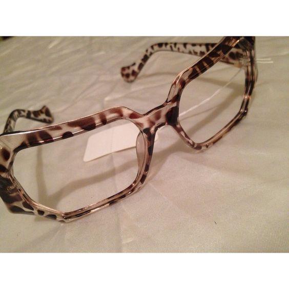 Leopard print lensless frames. E-mail Shop@AuthorityGirl.com