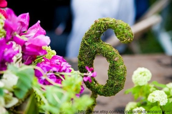 Moss covered table numbers with a base - 25$