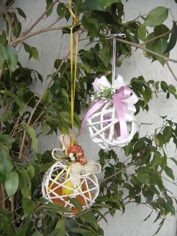 palline di corda con decorazione di fiori e sapone profumato all'interno