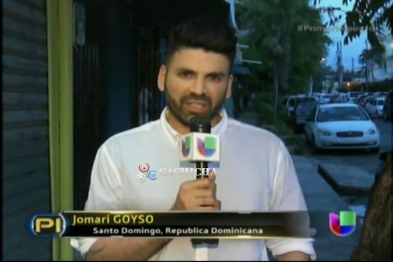 Jomari Goyso Visita La Familia De Una De Las Víctimas De La Masacre De Orlando