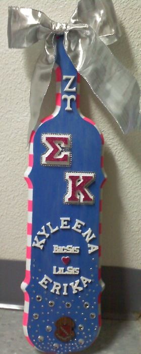 Sigma Kappa paddle with a big bow