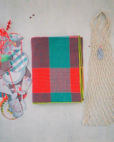 nappe & vaisselier 020712  http://lescopirates.fr/