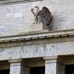 الدولار ينتظر قرارات الاحتياطي الفيدرالي اليوم