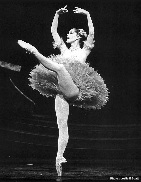 Darcey Bussell by Leslie E. Spatt