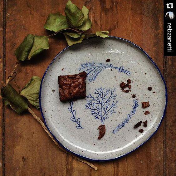 Meu prato nas lentes - e nos doces- de @rebzanetti ficou ainda mais lindo ❤️ esse pratinho foi direto pra BH. Ô terra boa!