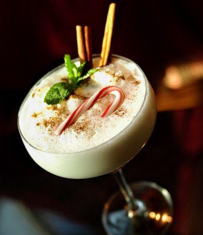 Les bons cocktails d'hiver sur 1001Cocktails.com. Découvrez les meilleures recettes de cocktails avec ou sans alcool.
