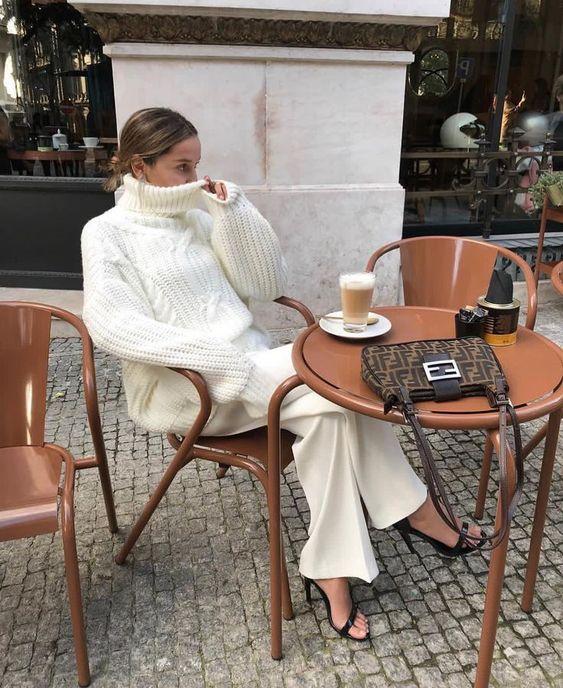 "Minimal Streetstyle on Instagram: ""Subtle and feminine in white. By @sofiamcoelho"""