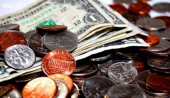 Bạn có thể đổi tiền ngay tại sân bay