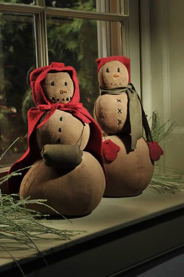 These would be beautiful with white/blue fur muffs and mittens with white snowmen!